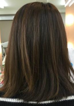 縮毛矯正で潤いのあるツヤ髪に(Before)