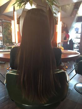 傷んだ髪がこんなにキレイになるとは思わなかった。(Before)