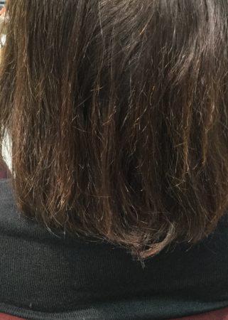 傷んだ、ハイトーンメッシュの入った髪てでもキレイに(Before)